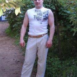 Парень из Петрозаводска, ищу девушку или женщину для интима