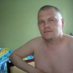 Парень из Петрозаводска. Хочу найти девушку для оральных ласк. Люблю делать куни