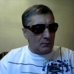 Парень из Петрозаводска. Ищу девушку, которая сделает минет в обмен на куни