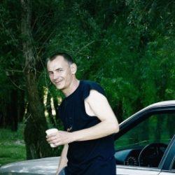 Парень ищет девушку, женщину в Петрозаводске. Практически любые прихоти!