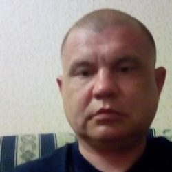 Парень ищет опытную девушку/женщину в Петрозаводске