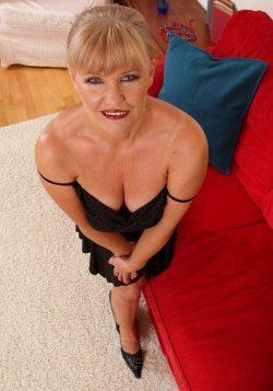 Милая хрупкая блондинка, высокая! Хочу секса с мужчиной в Петрозаводске!